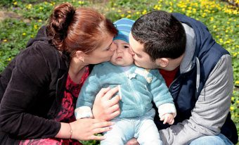 Teaching-babies-to-sign